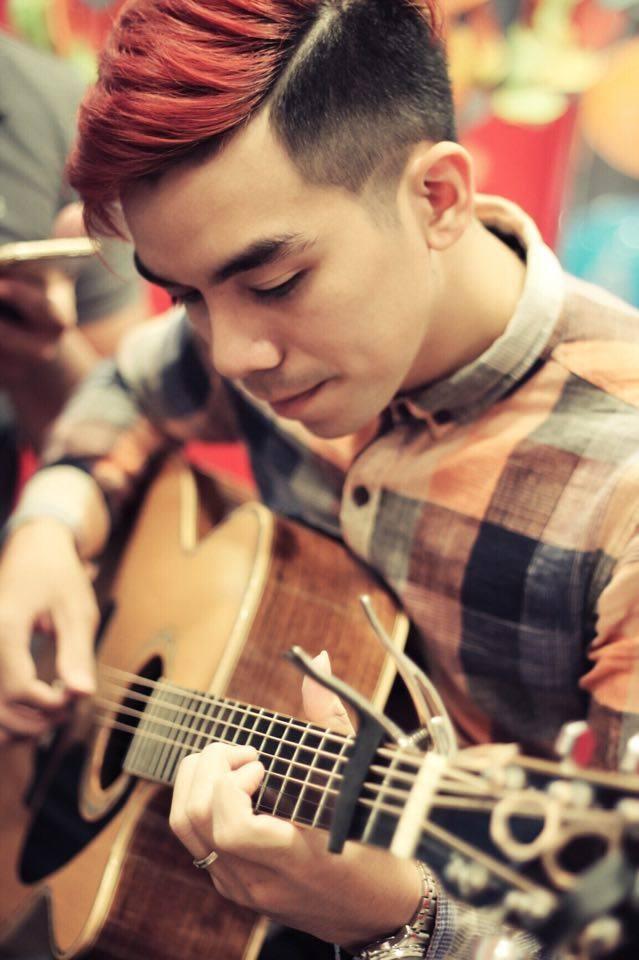 'Lạc trôi' phiên bản acoustic khiến giới trẻ thích thú