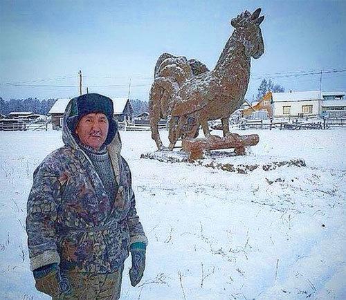 tượng gà, tượng gà khổng lồ, tượng gà 3,5m, tượng gà Đinh Dậu