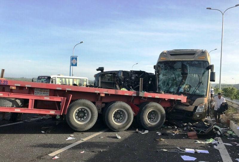 cao tốc Long Thành, tai nạn trên cao tốc, tài xế nguy kịch, tiên lượng tử vong