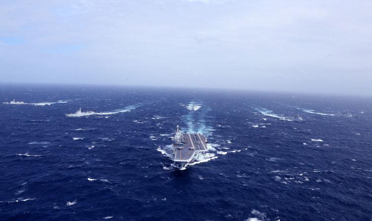 Xem tàu sân bay Trung Quốc tập trận ở Biển Đông
