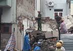 Sập tường khi cải tạo xây xăng, một gia đình bị thương - ảnh 6