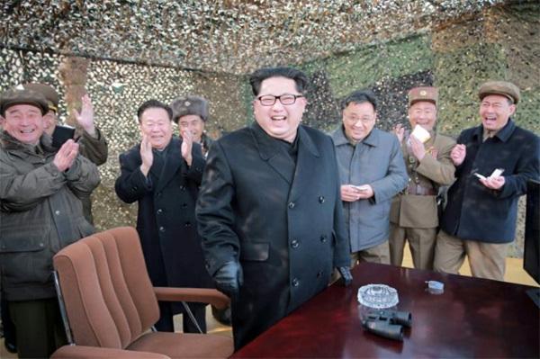Tuyên bố sốc về Triều Tiên, Trump tự làm khó mình?