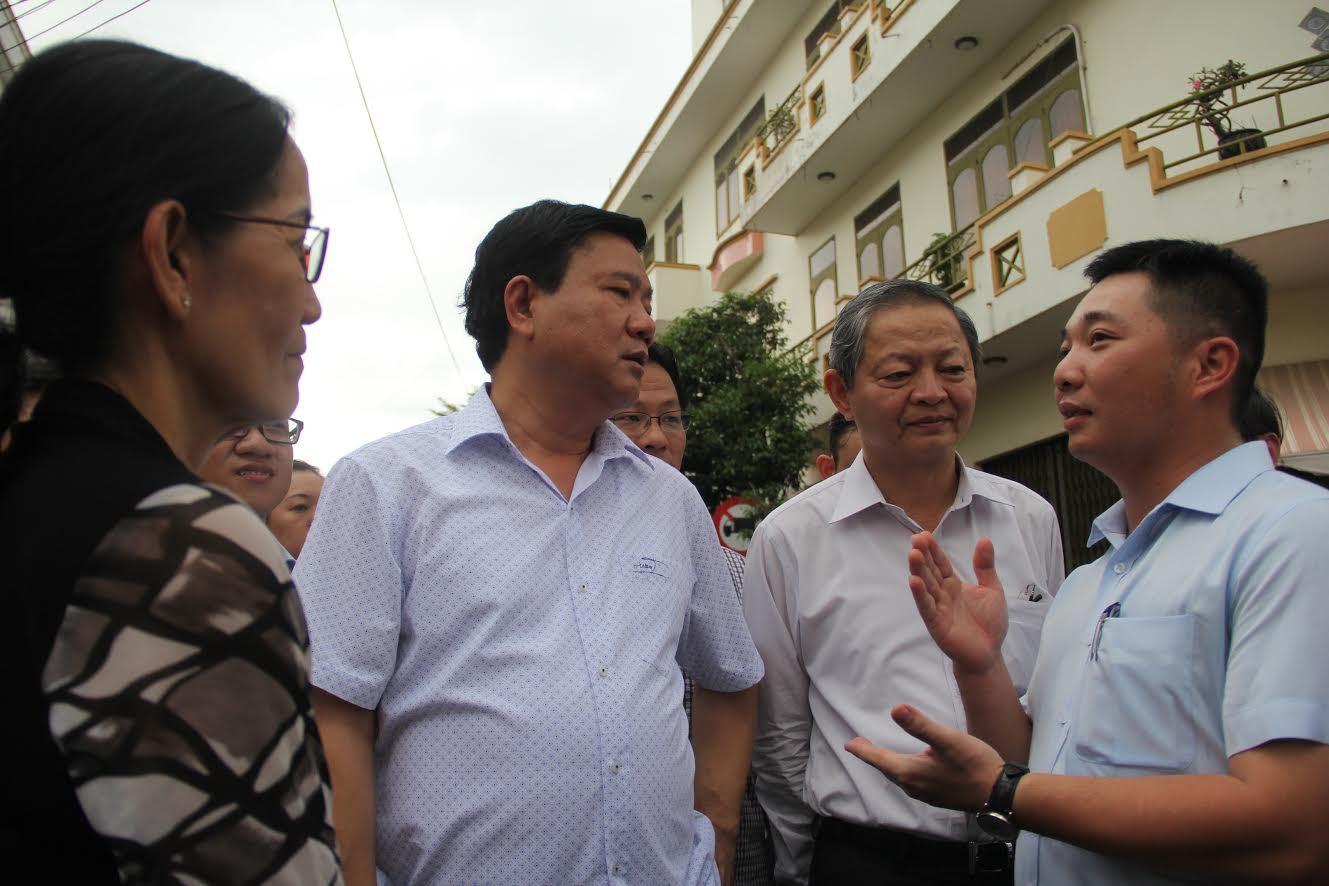 Bí thư Thăng thị sát cống ngăn triều gây ngập ở Sài Gòn