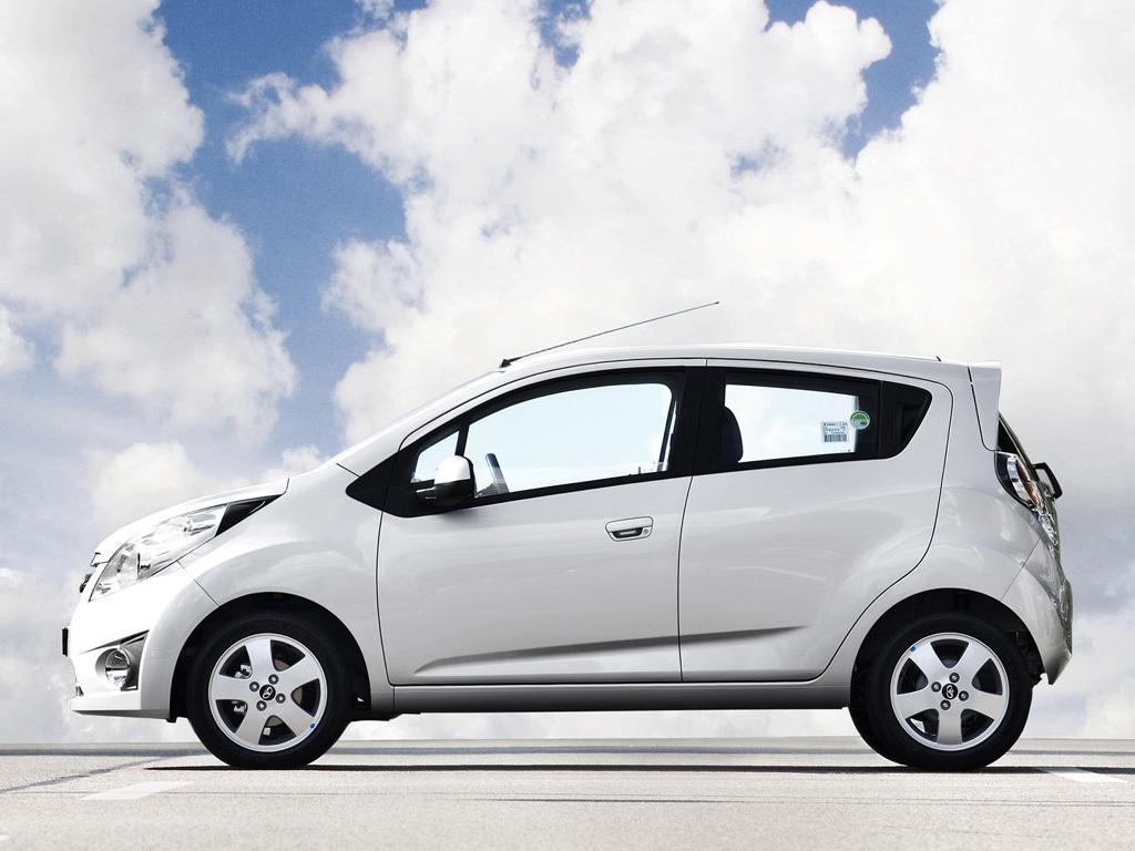 Dưới 200 triệu nên mua ô tô cũ nào đi lại trong dịp Tết?