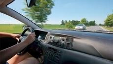 Tăng giảm ga liên tục trên xe cỡ nhỏ có tác hại gì không?