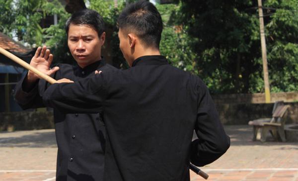 Diễn viên đóng thế Công Lý bị chém trúng tay phải đi cấp cứu
