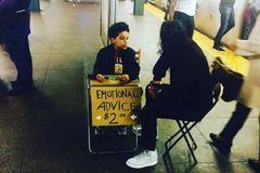 Cậu bé 11 tuổi đắt hàng dịch vụ tư vấn tình cảm giá 2 USD