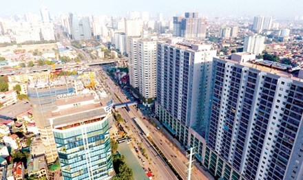 Đường Tố Hữu (Lê Văn Lương kéo dài): 2,7 km 'nhồi' 40 cao ốc!