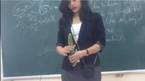 Cô giáo trẻ dạy cách sử dụng bao cao su trên lớp hút dân mạng