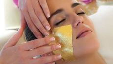 Đắp mặt vàng, tắm rượu vàng: Thú thư giãn của đại gia