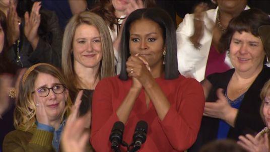 Michelle Obama nghẹn ngào trong bài phát biểu từ biệt