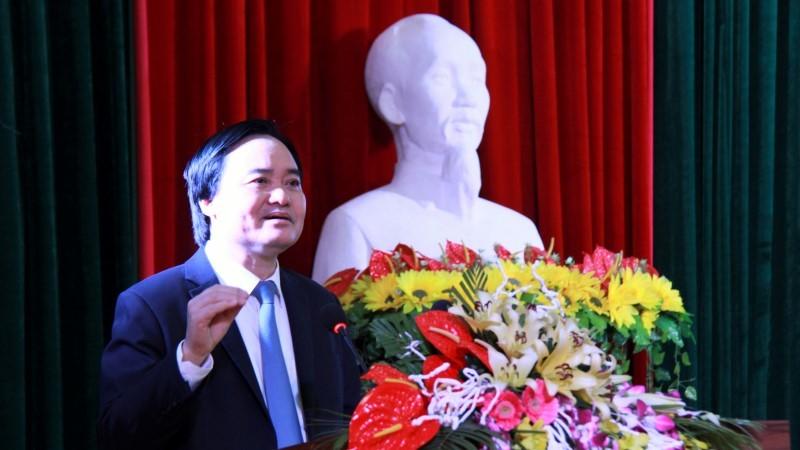 Bộ trưởng Phùng Xuân Nhạ: 'Nếu không nhanh chóng, sẽ thua ngay trên sân nhà'