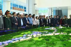 Thủ tướng thăm đồn biên phòng và thị sát cửa khẩu Trà Lĩnh