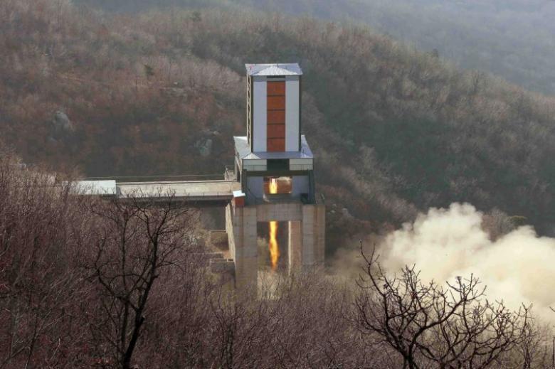 Triều Tiên tuyên bố thử tên lửa đạn đạo bất cứ lúc nào