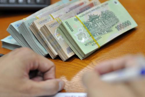 tiền thưởng Tết, ngân hàng, Techcombank, Vietcombank, thưởng Tết, 8 tháng lương, tăng lương