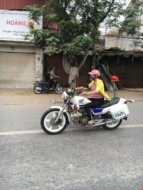 Cô gái mặc thường phục lái xe đặc chủng CSGT ở Hải Phòng