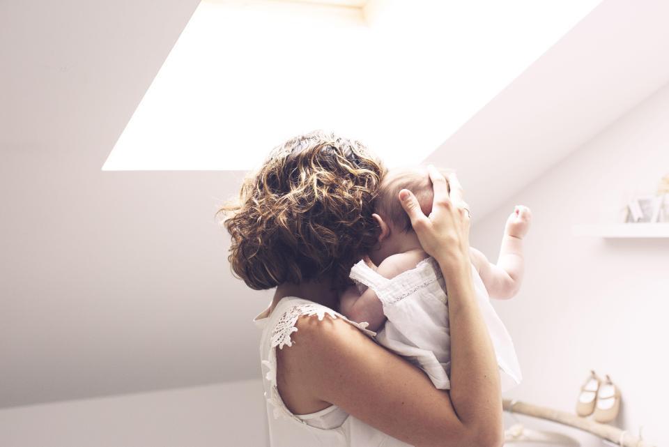 Nuôi con, chăm sóc bé, mẹ và bé, dinh dưỡng, còi xương