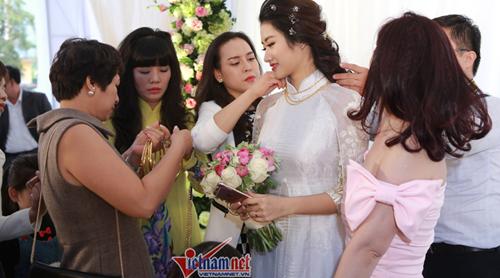cưới Ngân