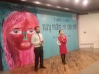 Triển lãm tranh đầy nước mắt của nạn nhân bị xâm hại tình dục