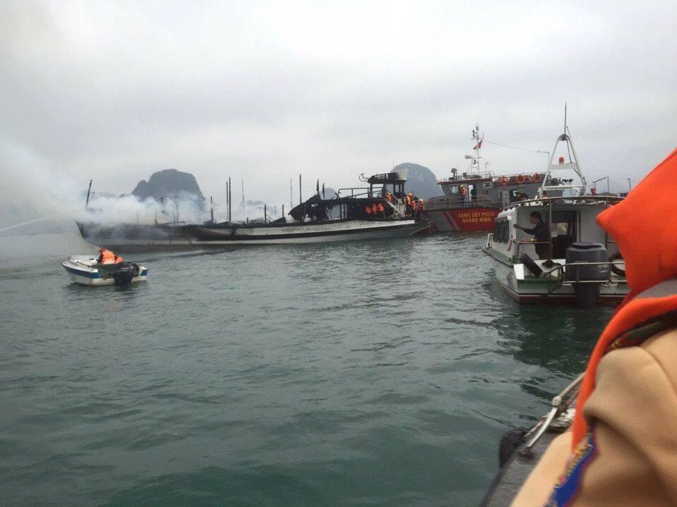 cháy tàu du lịch, Hạ Long