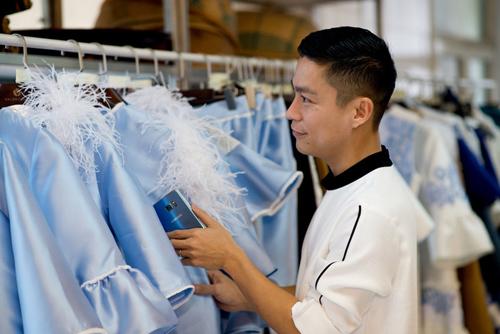 Adrian Anh Tuấn khai mùa thời trang 2017