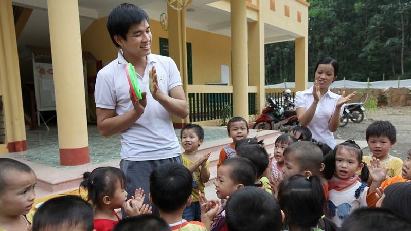 Sẽ rà soát, đào tạo lại giáo viên được điều chuyển dạy mầm non và tiểu học