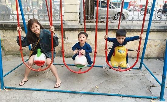 Chí Trung hài hước bế Ngọc Huyền chụp ảnh trước thác nước - ảnh 13