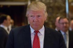 Trump chỉ đạo hủy Obamacare ngay lập tức