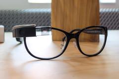 Apple định kết hợp Carl Zeiss sản xuất kính thông minh