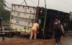 Xe container đè xe con, một người chết tại chỗ