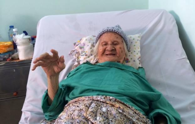 cụ bà, cụ bà 102 tuổi, TP.HCM, bệnh viện, bệnh viện nhân dân