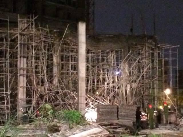 Sập nhà ở Đà Nẵng, nhiều người bị thương - ảnh 4