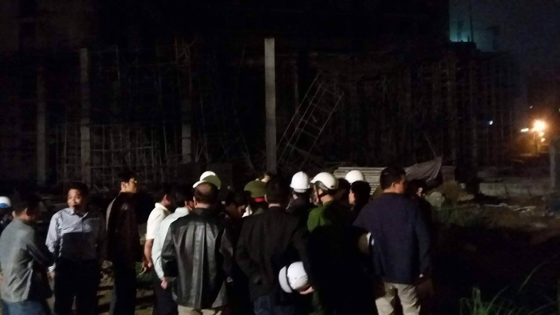 Sập nhà ở Đà Nẵng, nhiều người bị thương - ảnh 7