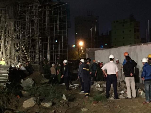 Sập nhà ở Đà Nẵng, nhiều người bị thương - ảnh 10