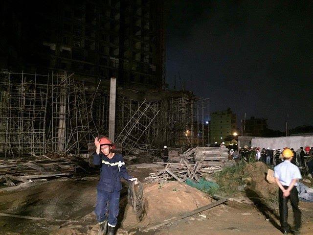 Sập nhà ở Đà Nẵng, nhiều người bị thương - ảnh 9
