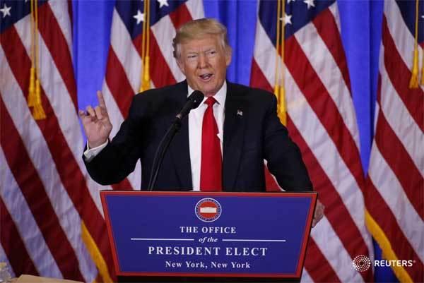 Lần đầu họp báo, Trump tố tình báo tung tin giả