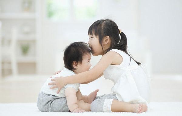 Vợ bỏ nhà đi, chồng có được khai sinh cho con?