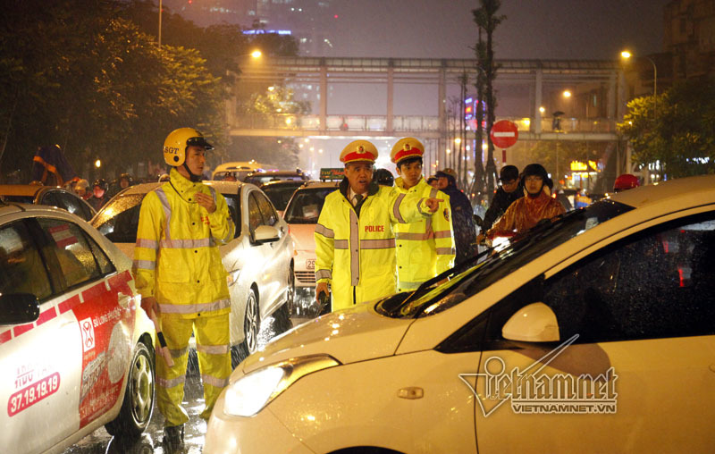 cảnh sát, cảnh sát giao thông, hà nội, ùn tắc, đào vịnh thắng
