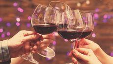 'Tiệc tất niên không có lỗi, lỗi ở ai không từ chối được rượu'