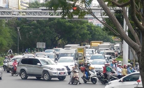 TPHCM, sân bay Tân Sơn Nhất, ùn tắc cửa ngõ, quá tải sân bay, Bùi Xuân Cường