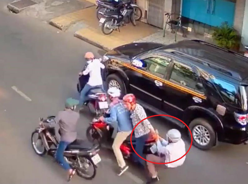 Nhóm người nước ngoài trộm 'hụt' 2 tỷ đồng ở Sài Gòn