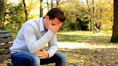 Căng thẳng vì chồng thưởng Tết gấp 15 lần vợ