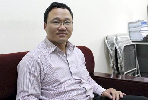 Ông Khuất Việt Hùng khuyến cáo người đi đường nhường nhịn nhau – VietNamNet