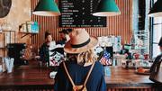 Muốn du lịch giá rẻ thì đừng làm 9 điều này