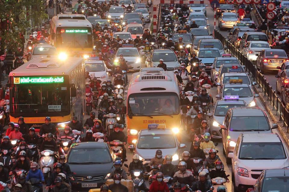 Đại sứ vạch cái sai của giao thông Việt