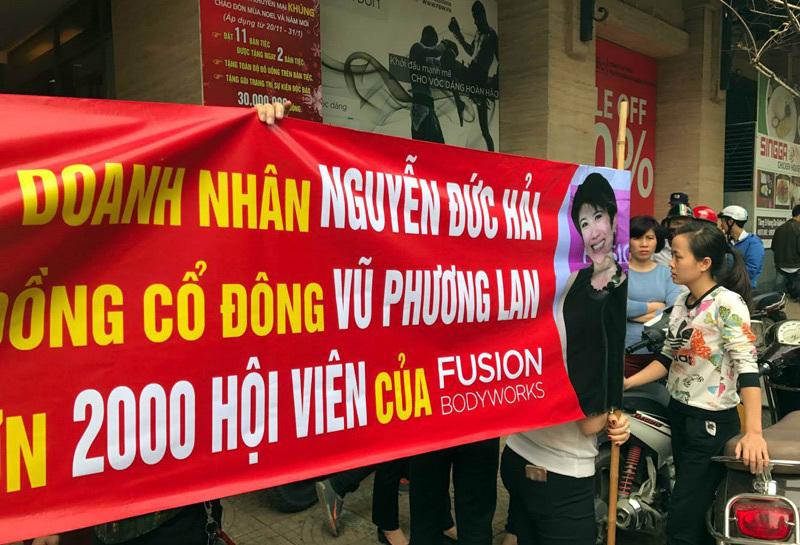 Vũ Quang Hải từ bỏ cán bộ nhà nước, Dr Thanh bị cấm xuất cảnh