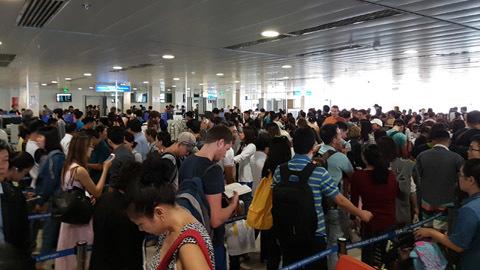 Hàng không giảm giá mạnh cho khách bay đêm – VietNamNet