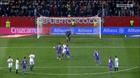 Ronaldo lố bịch, lấy bóng ném đối thủ