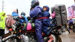 Gian nan hành trình về quê đón Tết bằng xe máy