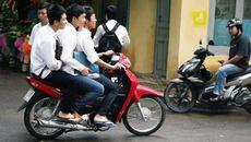 Học sinh 15 tuổi bị tịch thu xe máy: phụ huynh chịu trách nhiệm